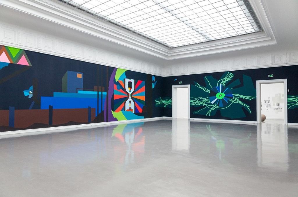 """Farbliche Überwätigung statt weißer Wände. Franz Ackermann, """"Kleine Flotte"""", © Franz Ackermann, Courtesy Galerie Meyer Riegger, Karlsruhe."""